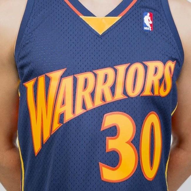 best website f7b56 3740b Mitchell & Ness Golden State Warriors #30 Stephen Curry navy ...