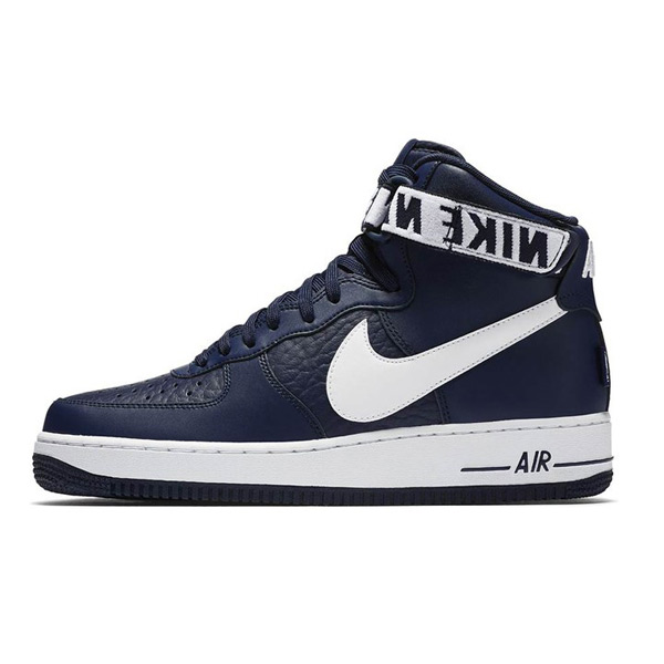 Nike Air Force 1 Taille 414